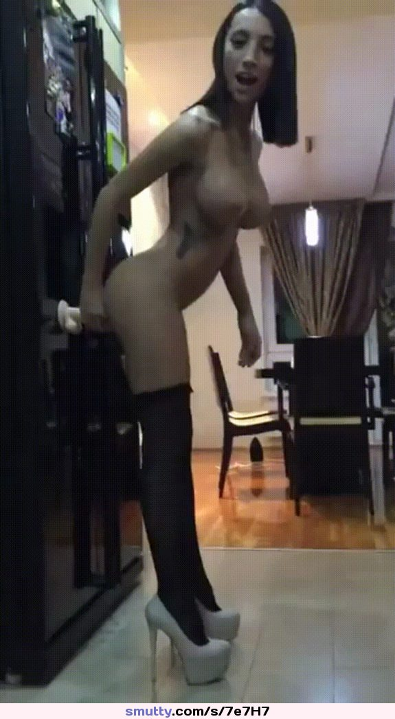 nice cumshot right in her mouth #amateur #brunette #camgirl #dildo #dildoing #gif #webcam