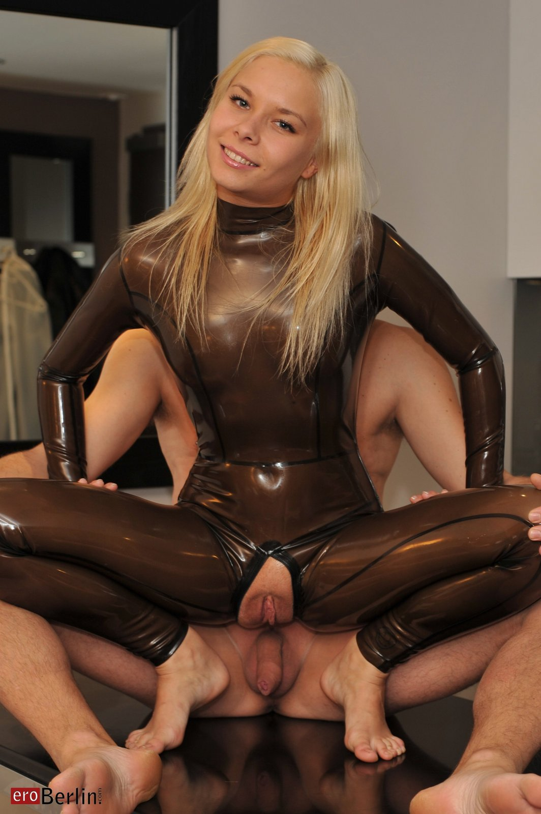 extreme pussy anal stretching gaping free tubes