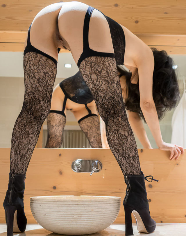 exciting blackhaired audrey in live webcams do better