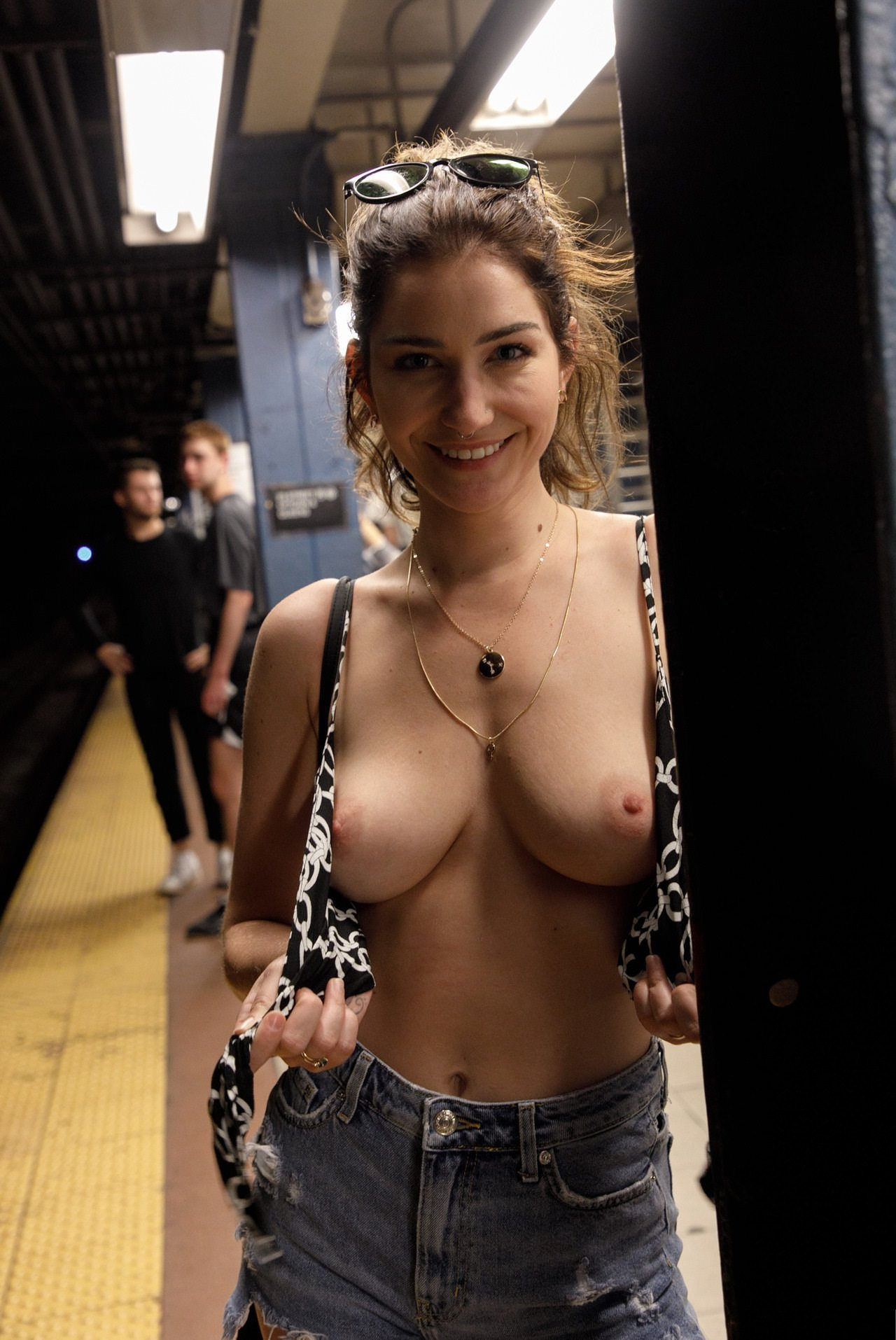 sloppy messy wet free porn tube watch download and cum #tits #titsout #framedboobs #jeans #denim #DenimAndDemTits #smile #toplessjeans