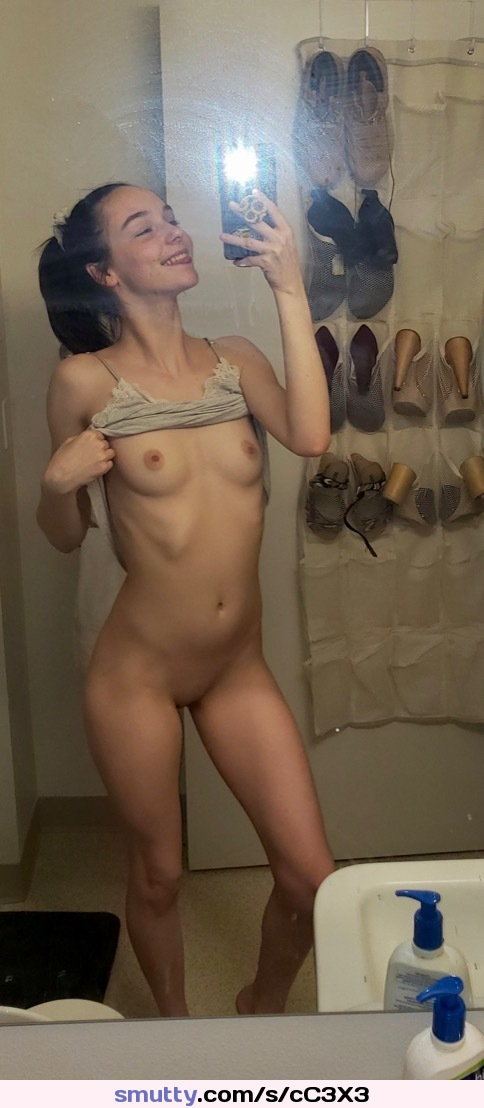 she makes him cum hard with her hands mobile porno