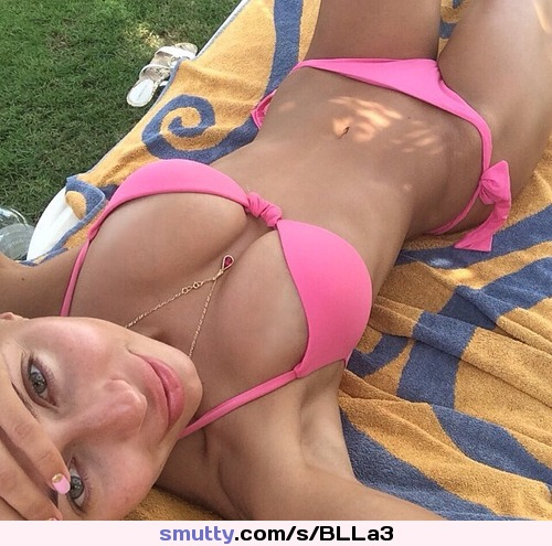 hot girls in yoga pants bending over Sexy Hot Fit Abs Nicetits Blond Fitness Bikini Bigtits Muscle