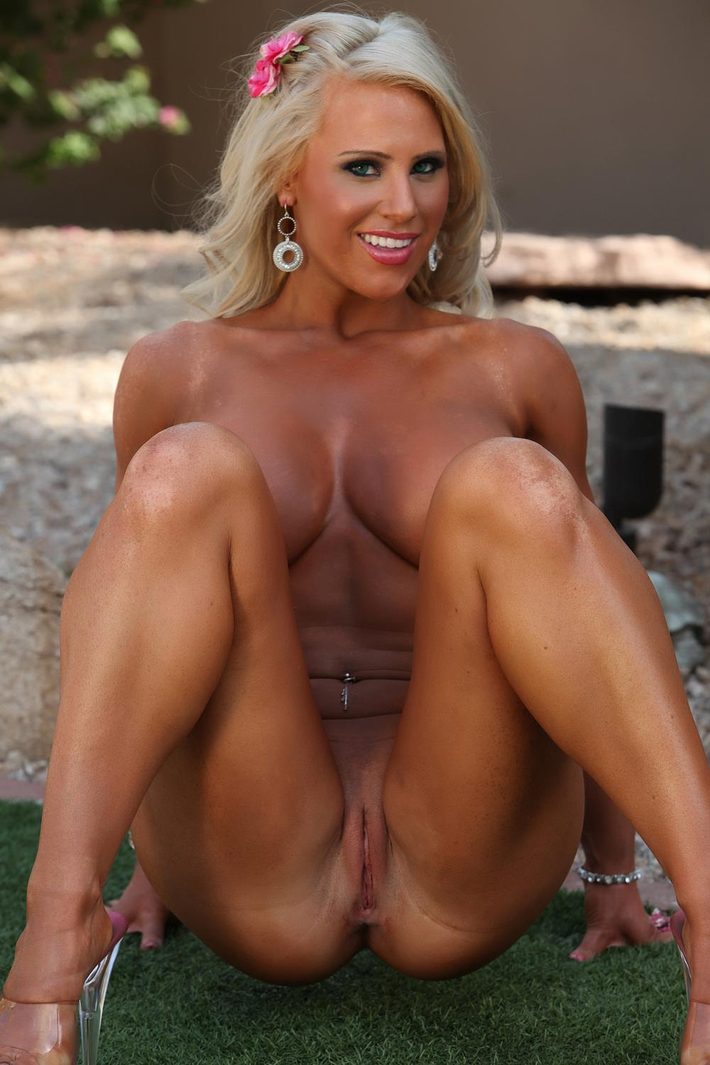 free cam online gust israel chat room #blonde #muscle #meganavalon #legsopen #smoothpussy #shavedpussy #piercednavel #muscularlegs #pussyslit #tanned