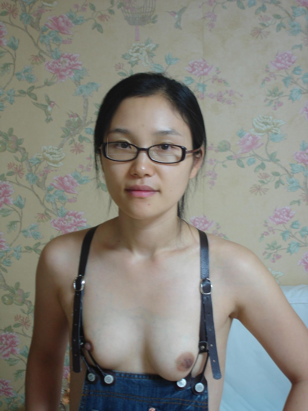 hot girls in the middle of nowhere #asian #geek #glasses #lickingnipple