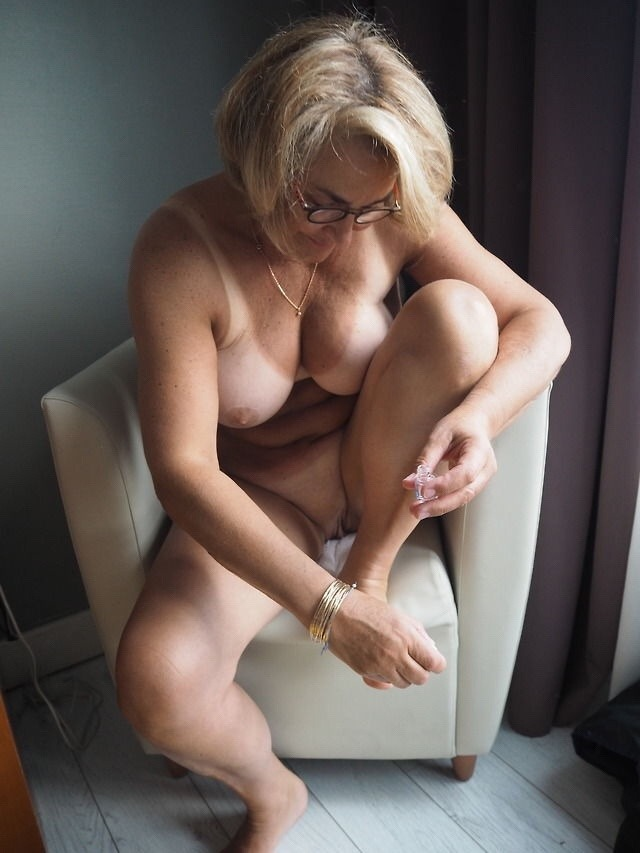 wife paid husband dee other photo xxx